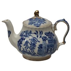 Sadler Blue Willow Teapot