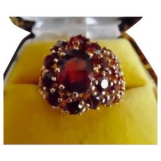 Vintage 14K Yellow Gold Filigree Garnet Ring