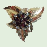 !940-50's Gold Filled Red and Clear Rhinestone Floral Pin/Pendant