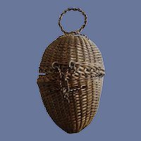 Antique Victorian Wire Mesh Egg Shaped Child's Candy Or Doll Container Purse