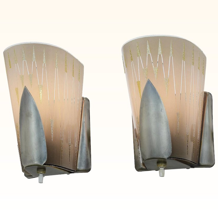 Mid Century Modern Pair Of Wall Sconces By Virden Ant 971