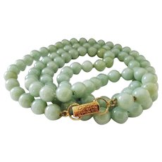 """Vintage Estate Mings of Honolulu 14K Gold Clasp Hand Knotted 30"""" Translucent Celadon Green Jade Bead Necklace"""