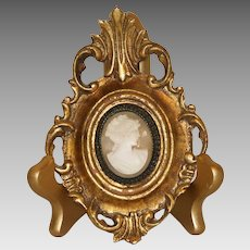 Carved Lady's Profile Shell Cameo in a Italian Florentine Frame