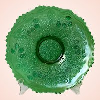 Early 20th Century Fenton Leaf Chain Bearded Berry Emerald Green Carnival Glass Plate