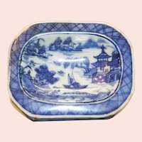 19th Century Chinese Export Porcelain Master Salt