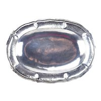 Vintage Hand Hammered Ecuadorian .900 Sterling Silver Oval Scalloped Tray