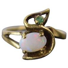 Vintage Estate 14k Solid Gold Opal Cabochon w Emerald Ring