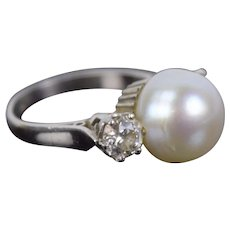Estate Vintage Art Deco Platinum Pearl Ring Surrounded by Diamonds