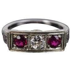 Estate Vintage Art Deco Platinum Filigree Ring Ruby Diamonds