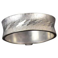 Vintage Mid-Century Modern Concave Band 14k White Gold Bright Cut & Brushed