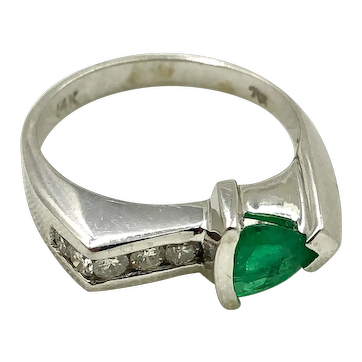 Emerald & Diamond 14K White Gold Ring size 7.5 hallmarked