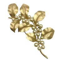 Vintage Crown Trifari Gold Leaf Brooch hallmarked