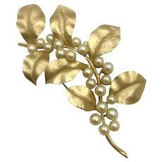 Vintage Crown Trifari Gold Leaf Brooch hallmarked