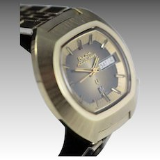 1973 Bulova Accuquartz Very Rare Gold Plated Large Oval Vintage Men's Watch