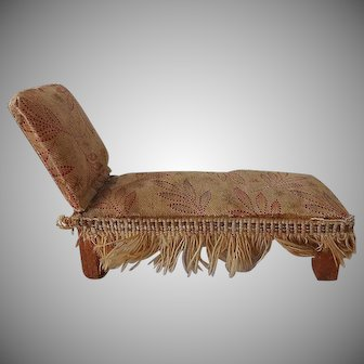 Old Doll House Chaise Lounge