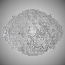Vintage Figural Fillet Lace Doily Mat - Cherubs