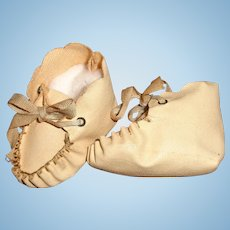 Nice Oil Cloth Booties for Medium Composition or Bisque Doll ~ Scalloped edge