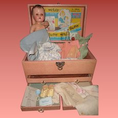 Rare Betsy Wetsy 3 Drawer Trunk Layette Set w/ Lots of Orig. Goodies