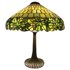 87- Outstanding Duffner and Kimberly leaded lamp in the Oak Leaf pattern