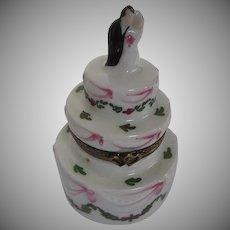 Limoges LAGLIORETTE Hand-painted Wedding cake w/Bride & Groom Trinket Box - signed Made in France