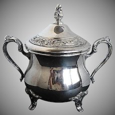 Silver-plate Wm. Rogers footed Ornate Sugar Bowl w/lid - 1103 - signed