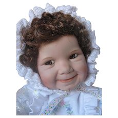 "Ashton Drake Galleries ""Baby Miss Muffet"" - Original box - Certificate of Authenticity - Porcelain - Retired"