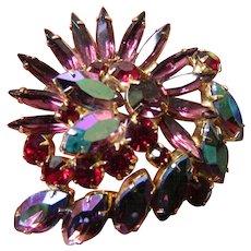 Gorgeous glass stones pin