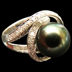 White gold-pearl with diamonds ring-14k.