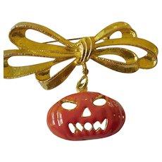 Fun Halloween pumpkin pin