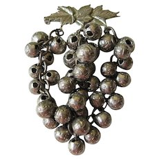 Bunch of grapes pin