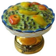 Elegant porcelain Limoges trinket box-France