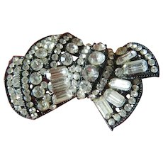 Deco style pin