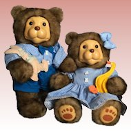 Raikes Betty and Glen Bears