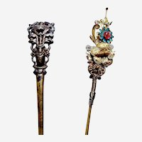 Two Chinese single prong hair pins gilded metal glass stones Qing dynasty (AAF)