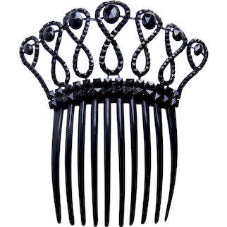 Victorian French jet mourning hair comb with loops motif