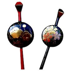Two vintage kanzashi Japanese hair pins with lacquer decoration (ABX)