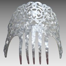 Vintage Spanish mantilla hair comb mother of pearl effect hair accessory