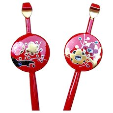 Two vintage Japanese kanzashi hair pins in red lacquer hair accessories (ABS)
