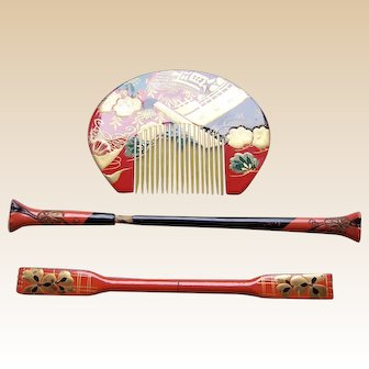 3 piece vintage Japanese comb and hair pin set red gold lacquer (AES)