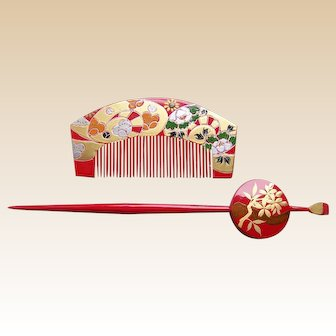 Vintage Japanese comb and hair pin set red gold lacquer (AEY)