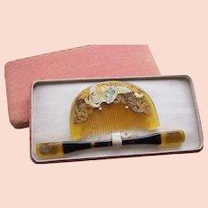 A boxed set of vintage Japanese hair comb and hair pin geisha set (AIG)