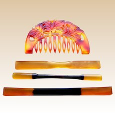 Four amber resin vintage Japanese hair combs and pins (AID)