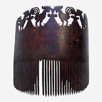 East Sumba (Indonesia) tortoiseshell hair comb with carved figures (AAD)