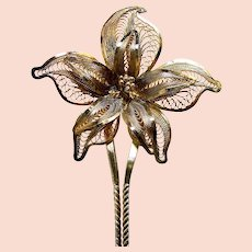 Late Victorian filigree flower hair pin hair accessory (AAM)