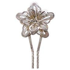 Late Victorian filigree flower hair pin hair accessory (AAU)