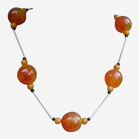 Modernist style necklace faux amber beads 1980s (ABB)