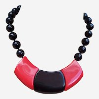 Art Deco style necklace machine age look hot red black (ABH)