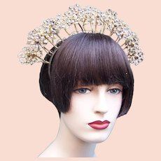 Indonesian traditional wedding headdress flowers on springs headpiece