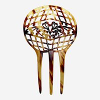 Celluloid faux tortoiseshell hair comb with classic lattice design