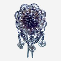 Late Victorian filigree flower hair comb accessory with dangles